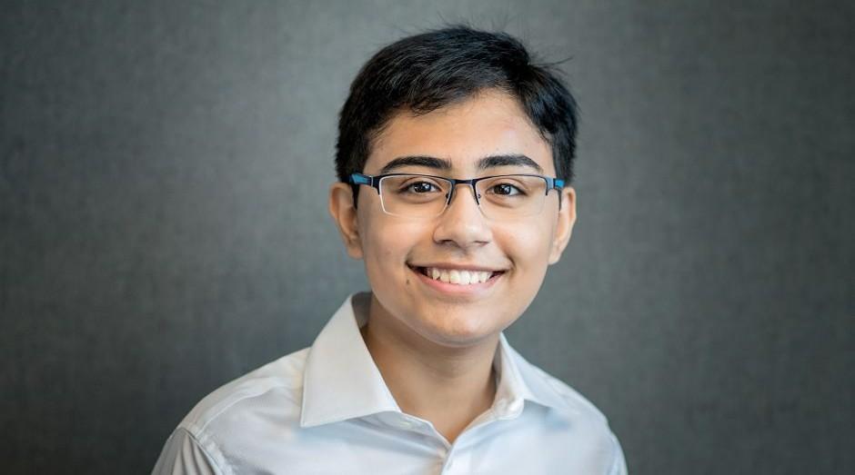 Conheça Tanmay Bakshi, o youtuber adolescente que dá aulas de inteligência artificial