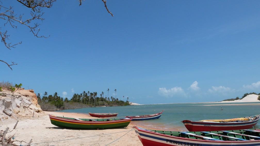 Praia Camocim, no litoral oeste do Ceará, tem belezas naturais como a Ilha do Amor, Tatajuba e Lago Grande — Foto: Divulgação