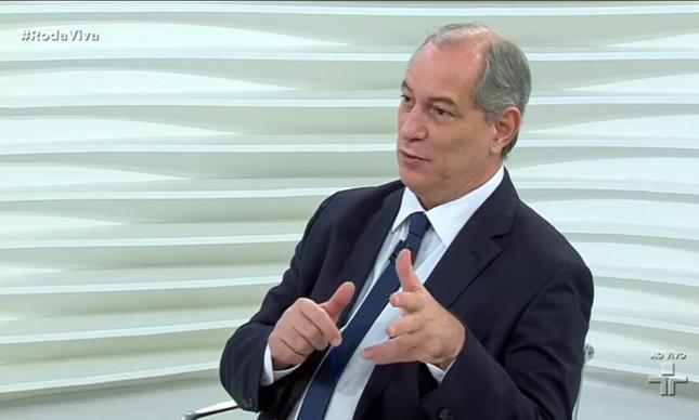 Ciro Gomes participa de entrevista no programa Roda Vida, da TV Cultura