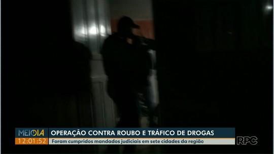 Operação prende 13 suspeitos de assaltos a compristas e de tráfico de drogas