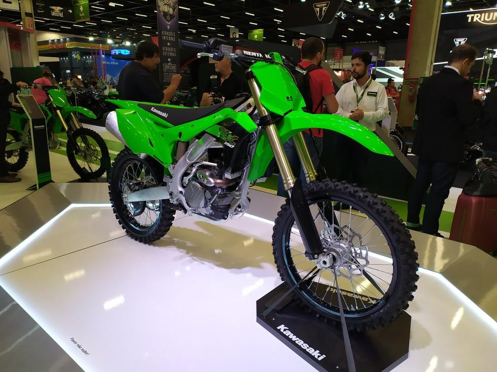 Kawasaki apresenta a nova KX250 no Salão Duas Rodas — Foto: Guilherme Fontana/G1