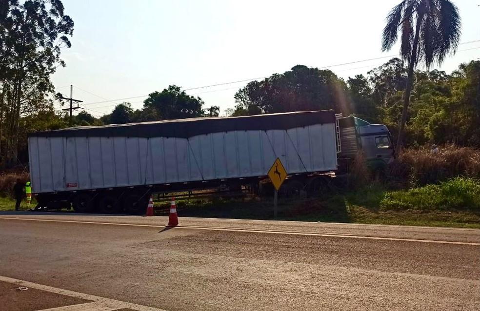 Motorista de carro morre após bater de frente com carreta em Avaré — Foto: Arquivo Pessoal