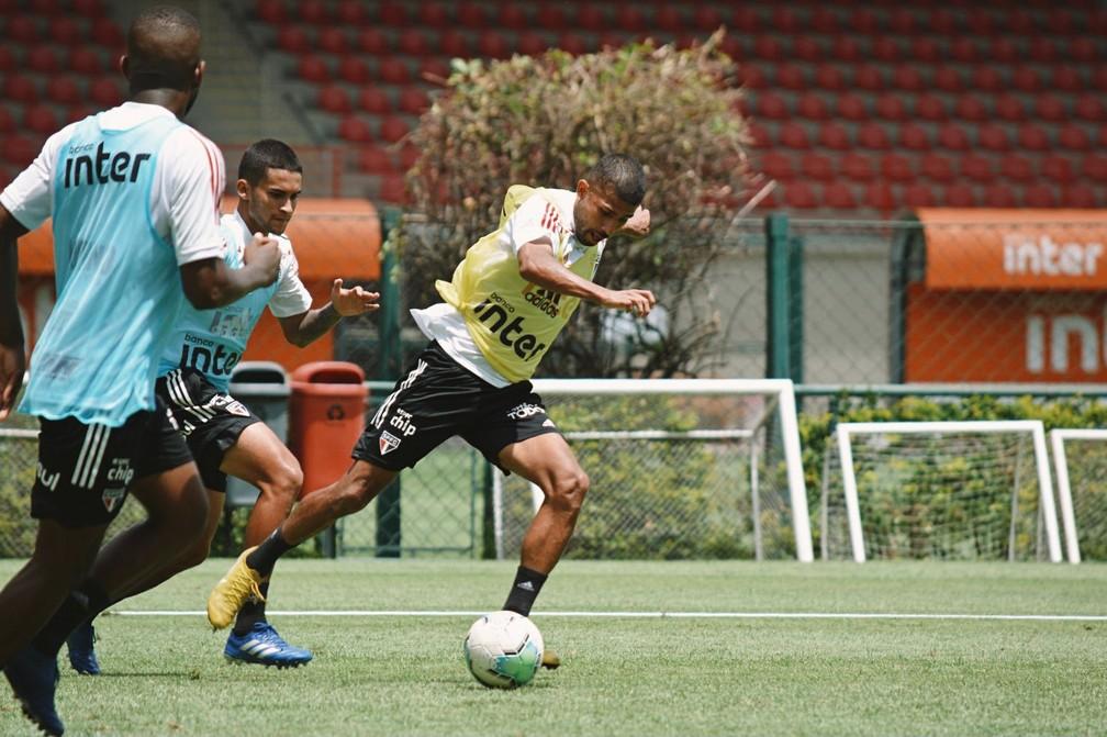 Rojas em treino do São Paulo — Foto: Erico Leonan / saopaulofc.net