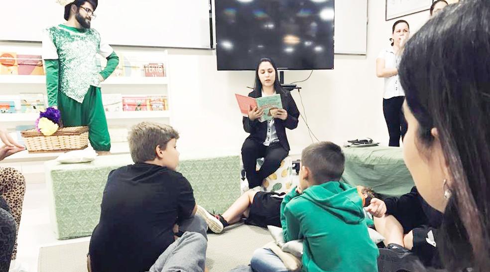 Leitura na infância contribui para o desenvolvimento das habilidades cognitivas e de comunicação — Foto: Colégio Uirapuru/Divulgação