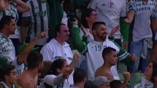 Torcedor que devolveu camisa de Borja ganha uma nova do Palmeiras