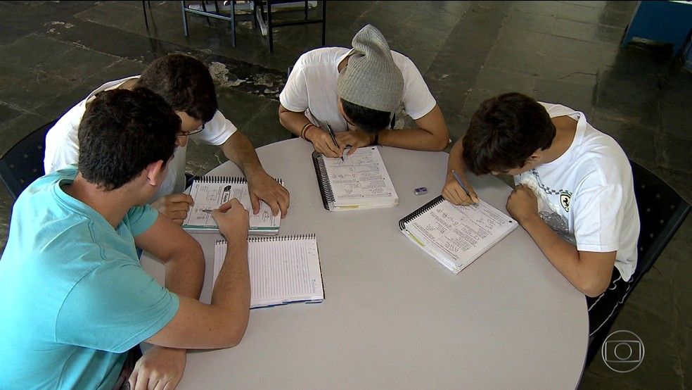 -  Encceja será aplicado em cinco escolas de Santarém  Foto: BDBR