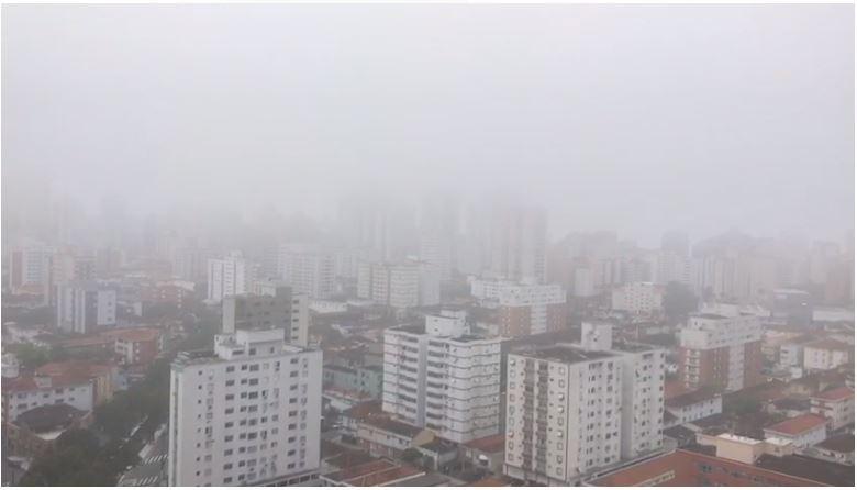 Baixada Santista tem nevoeiro e Dersa faz alerta para usuários de travessias - Notícias - Plantão Diário