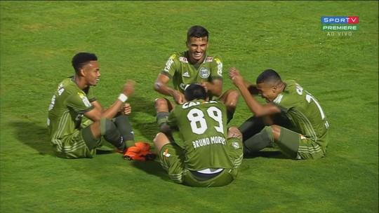 """Bruno Moraes desencanta e marca o primeiro gol pelo Coritiba: """"Demorou"""""""