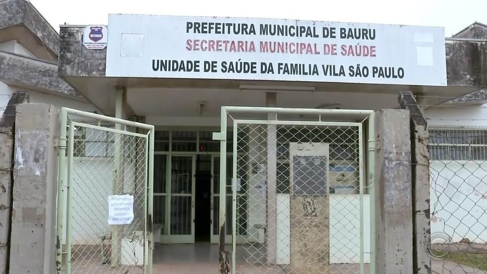 Agente de saúde é demitida em Bauru (SP) após aplicar vacina contra a Covid-19 em parentes — Foto: Reprodução/TV TEM/Arquivo