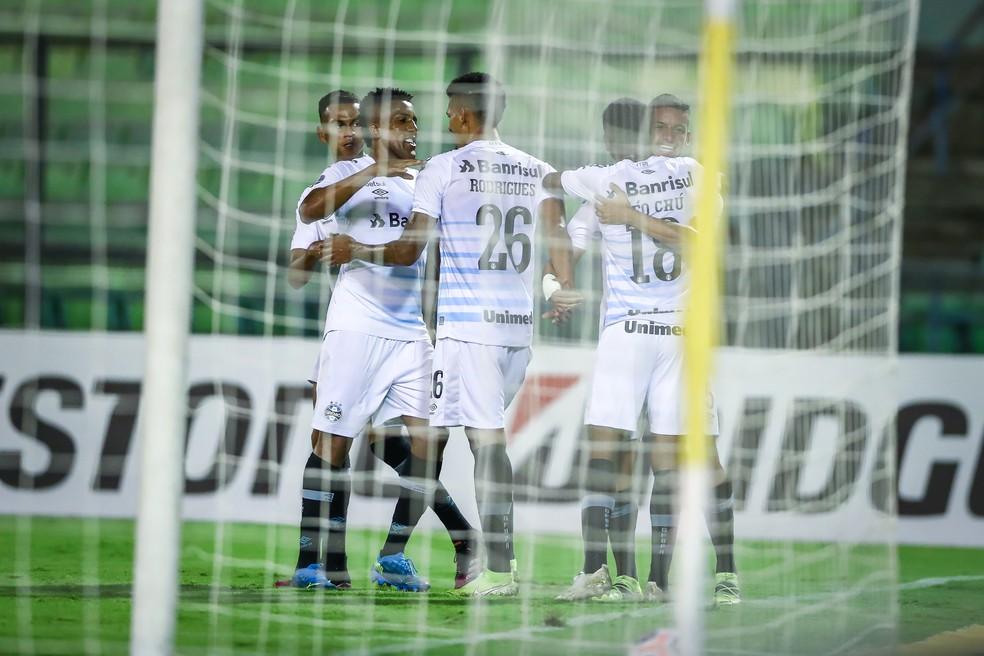 Ricardinho comemora gol do Grêmio contra o Aragua pela Sul-Americana — Foto: Lucas Uebel/DVG/Grêmio