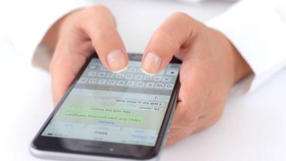 Pesquisadores tiveram acesso a números de telefone, fotos de perfil, vídeos, documentos, links para sites e comentários, além da localização dos usuários. (Foto: Getty Images)