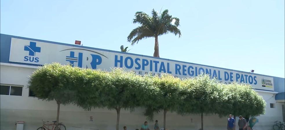Hospital Regional de Patos: primeira parada em que eles nem mesmo conseguiram internação — Foto: TV Cabo Branco/Reprodução