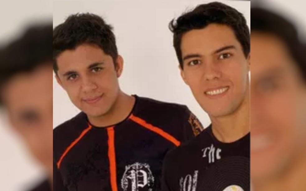 Cristiano Araújo e Luizmar Damasceno em foto da época em que cantavam juntos — Foto: Arquivo pessoal