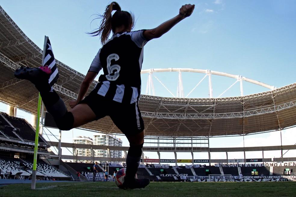 Chai lateral-esquerda do Botafogo — Foto: Vitor Silva/BFR