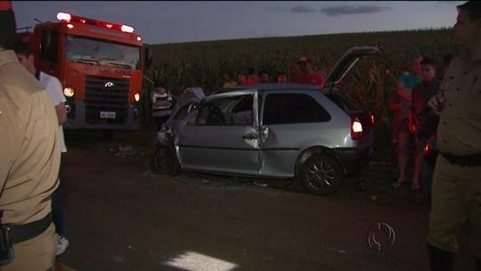 Uma pessoa morreu e sete ficaram feridas em acidente na PR-239