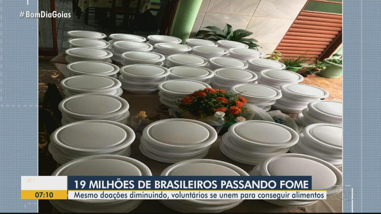 Campanha arrecada alimentos para famílias carentes de Goiânia
