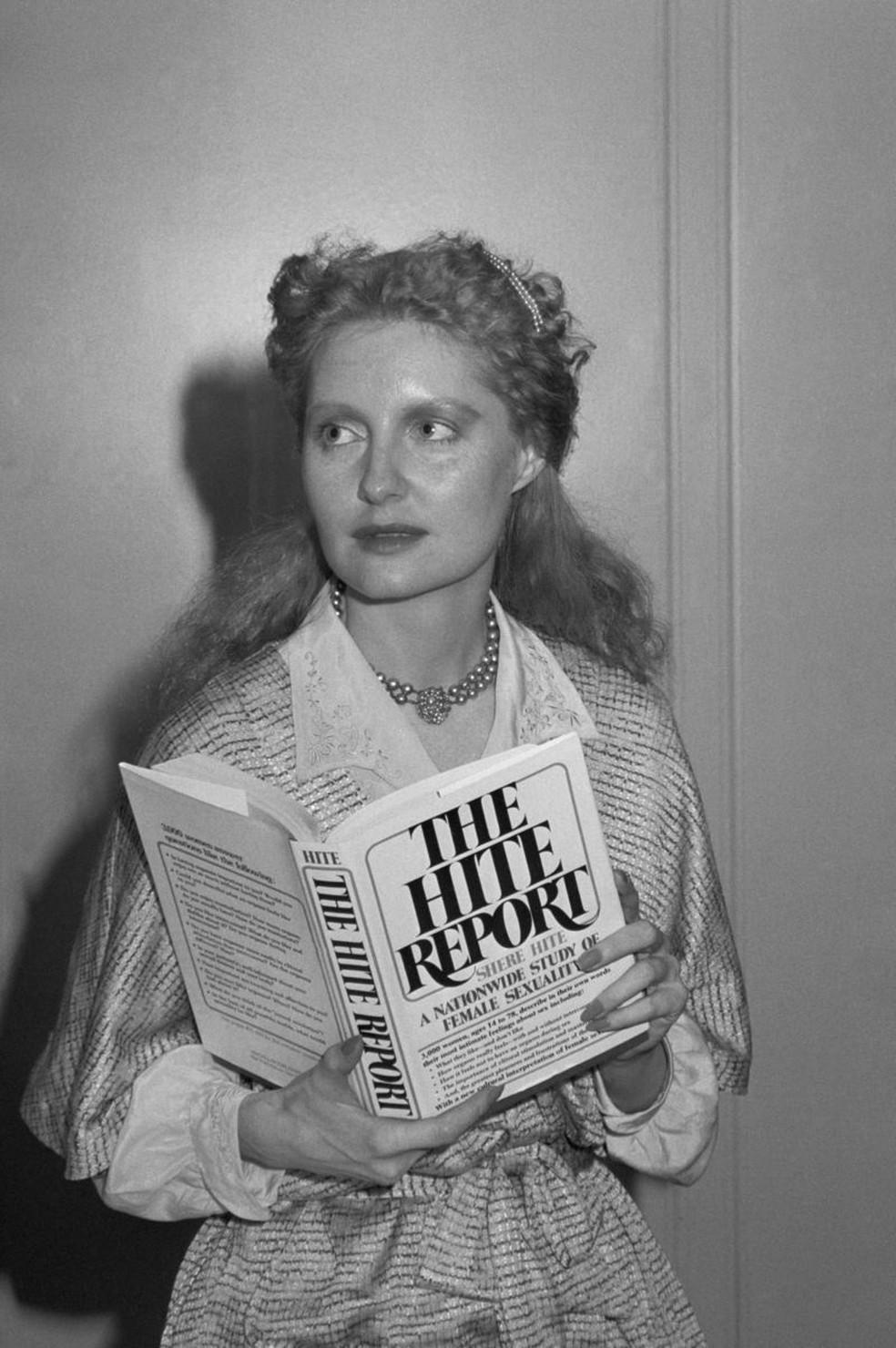 """Seu primeiro livro, """"The Hite Report"""", foi publicado em 1976 — Foto: Getty Images"""