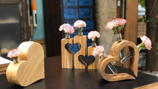 Artesão ensina a criar um coração de madeira para presente