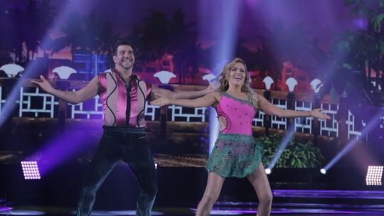 Leona Cavalli se joga na salsa e arrasa na 'Dança dos Famosos'