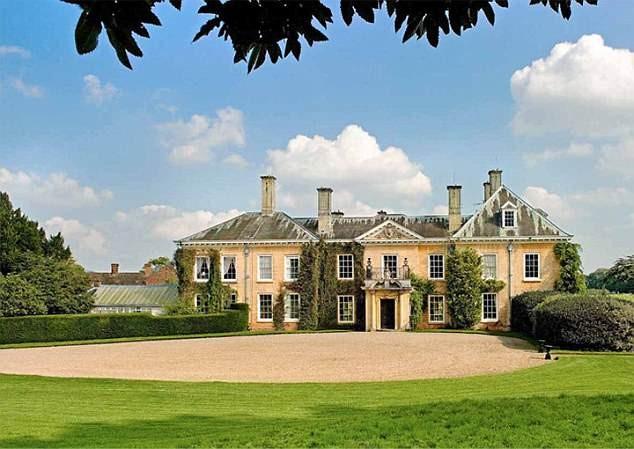 A mansão de Elizabeth Hurley (Foto: Reprodução)