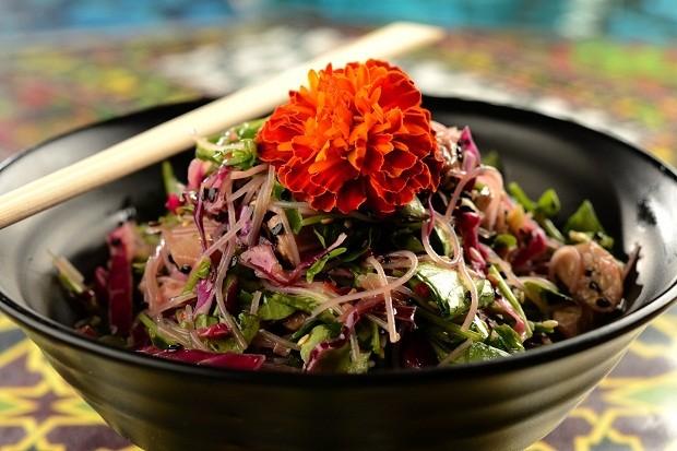 Salada lótus, do Marakuthai (Foto: Divulgação/ Wellington Nemeth)