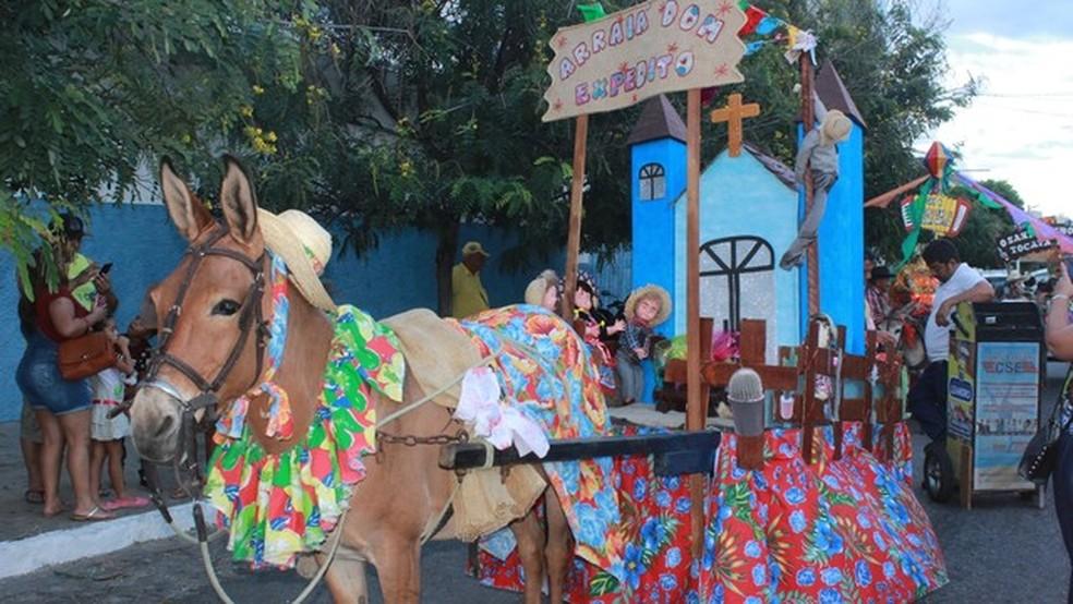 Passeio de Carroças faz parte da programação cultural do São João de Patos, na Paraíba — Foto: Richard Martins/Divulgação