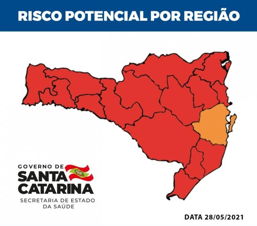 Mapa de risco de SC de 28 de maio de 2021 mostra 15 regiões em risco gravíssimo para Covid-19 e a Grande Florianópolis em risco grave — Foto: Governo de Santa Catarina/Divulgação