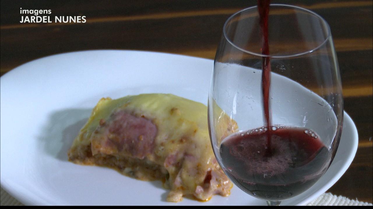 Chef JPB: Kako Marques ensina a fazer receita de lasanha a bolonhesa e molho branco