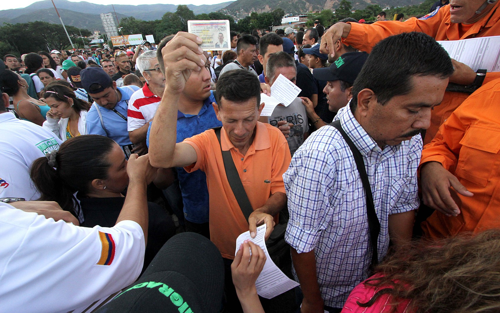 Como a crise da Venezuela influencia as campanhas presidenciais na Colômbia, no México e no Brasil