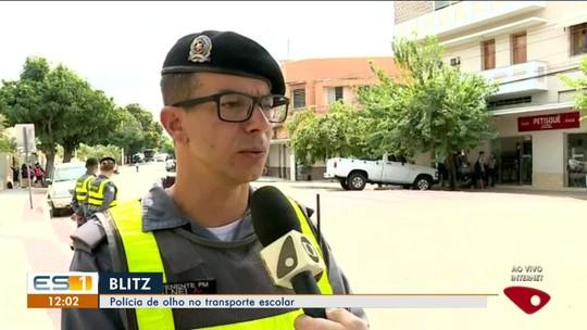 Polícia Militar faz blitz em vans escolares de Colatina, no Noroeste do ES