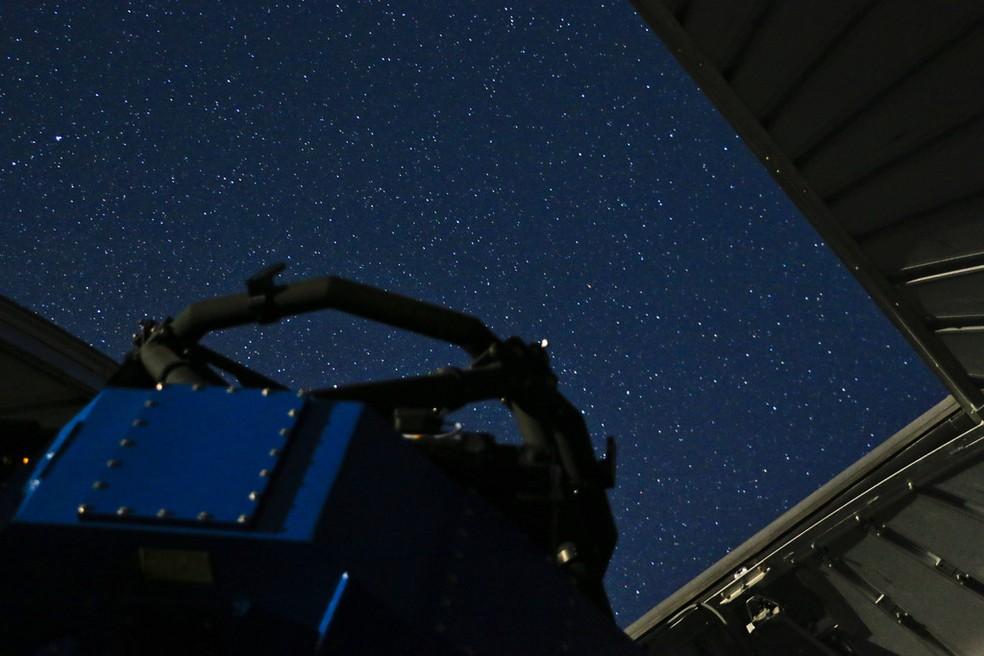 Estrela rara não pode ser vista a olho nu, explica o físico — Foto: Favio Faifer/Reprodução