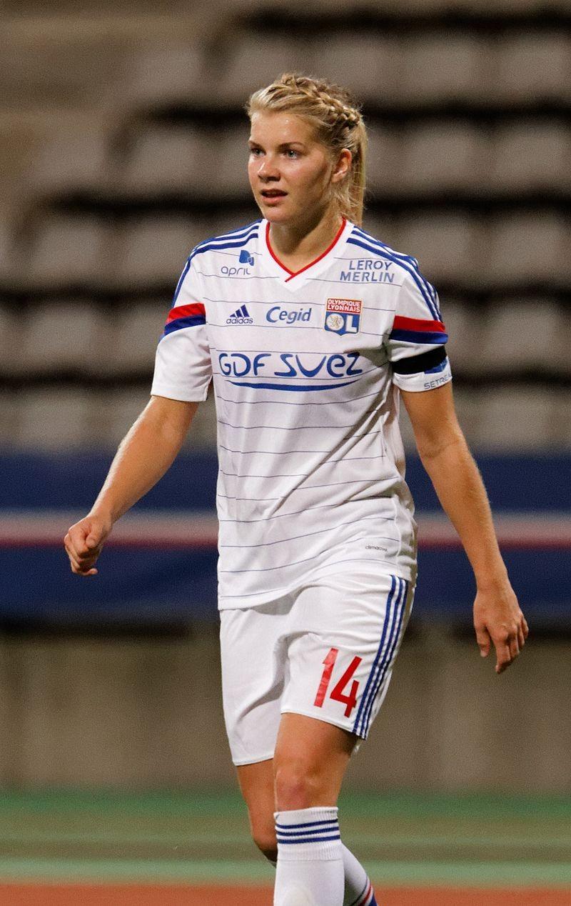 Ada Hegerberg, jogando pelo Lyon, em 2014 (Foto: Wikimedia Commons)