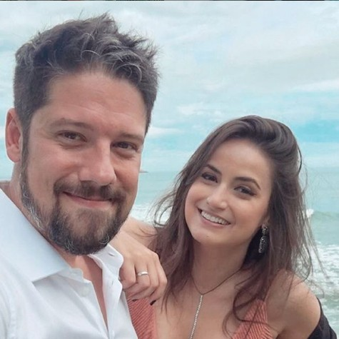 Mari Palma e o namorado, Phelipe Siani (Foto: Reprodução/ Instagram)