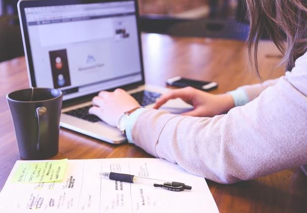 Nos Estados Unidos, a diferença salarial chega a ser motivo de desconforto entre casais e até omissão dos ganhos reais em declarações de imposto de renda (Foto: Pixabay)