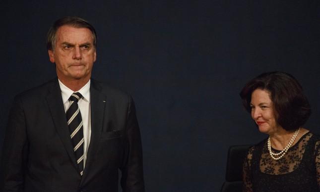 Presidente Jair Bolsonaro e a procuradora-geral da República raquel Dodge em posse de procuradores