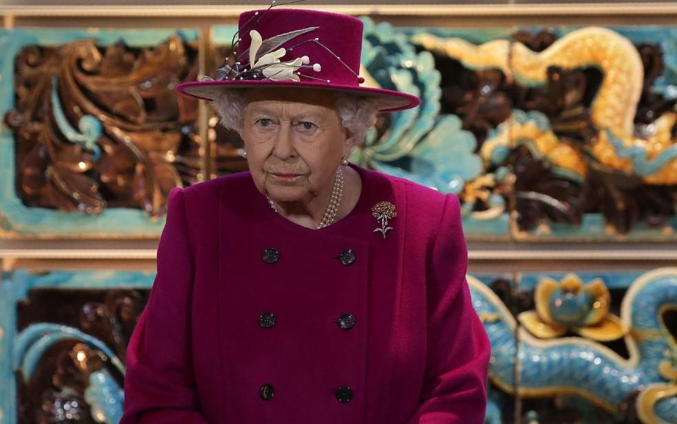 -  A rainha Elizabeth II durante a reinauguração da Sir Joseph Hotung Gallery of China and South Asia no British Museum, em 8 de novembro de 2017  Foto:
