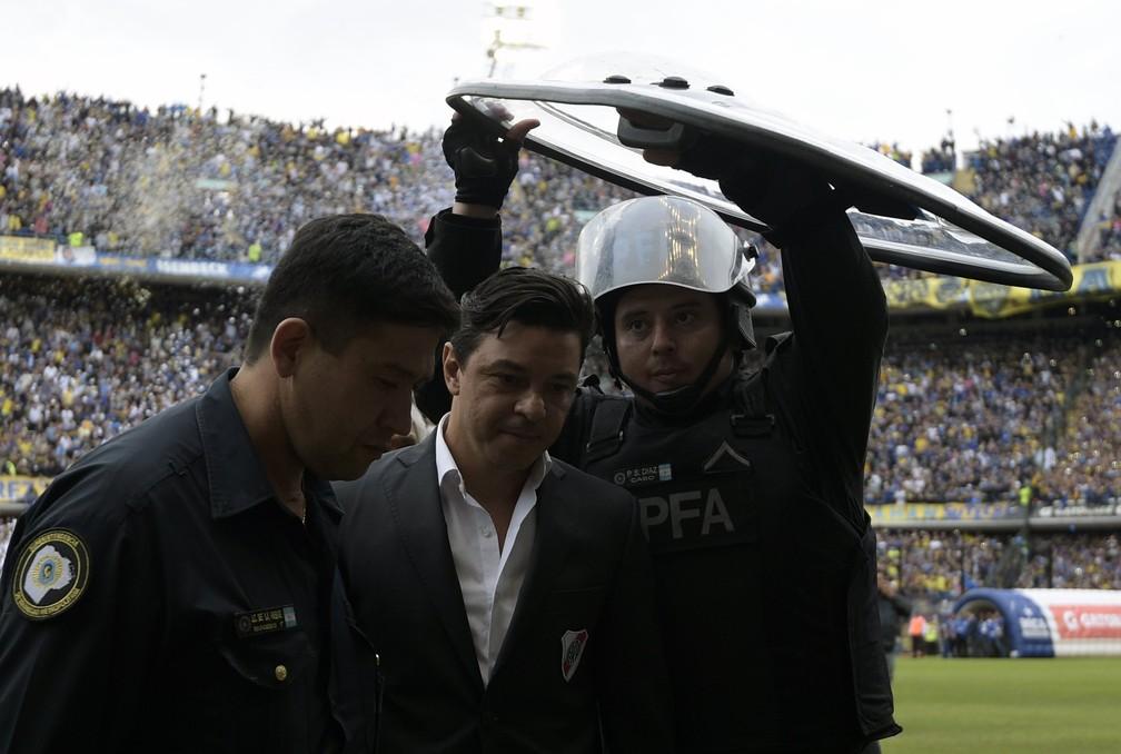 Marcelo Gallardo, técnico do River Plate, na Bombonera — Foto: JUAN MABROMATA / AFP