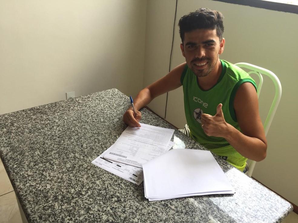 Davi Ceará vai vestir a camisa do Resende no Carioca — Foto: Divulgação