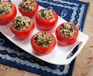 Aprenda a preparar tomate recheado com arroz 7 cereais