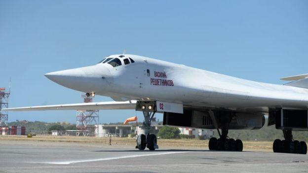 Em dezembro, a Rússia enviou dois bombardeiros Tupolev 160 à Venezuela (Foto: Getty Images/BBC)