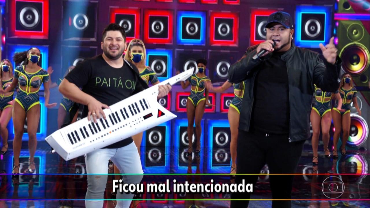 Barões da Pisadinha cantam 'Tá Rocheda'