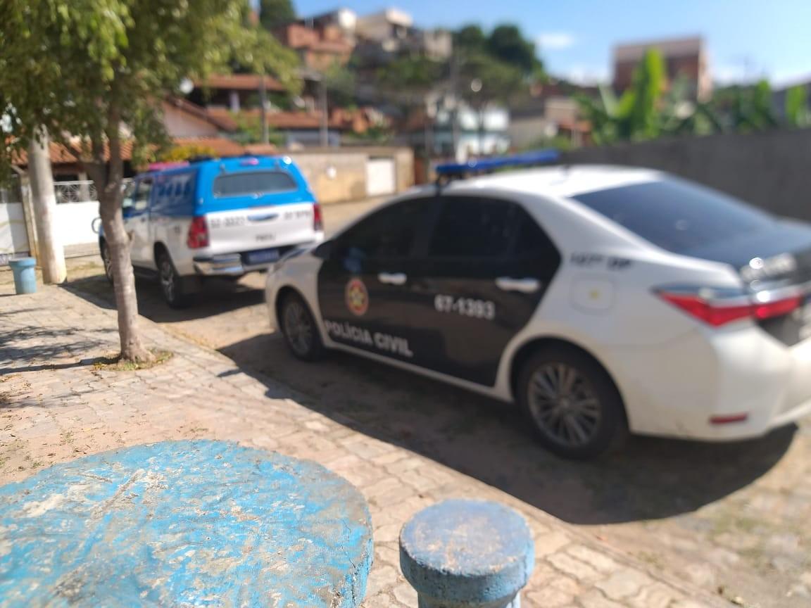 Menina de 15 anos é flagrada vendendo maconha com o namorado em Paraíba do Sul - Notícias - Plantão Diário