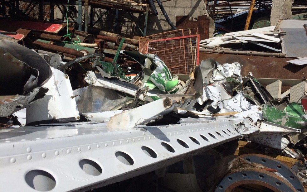 Destroços foram liberados para a venda  — Foto: Rafael Carvalho/TV Sergipe