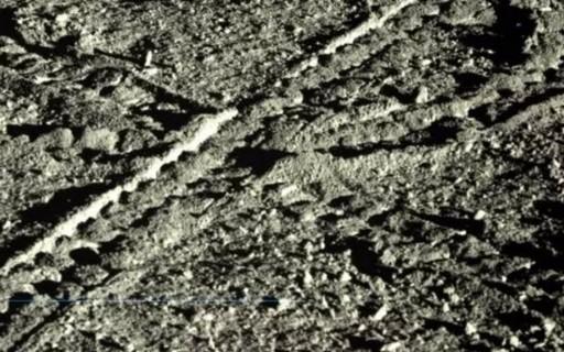 Sonda chinesa envia fotos de gel encontrado no lado oculto da Lua