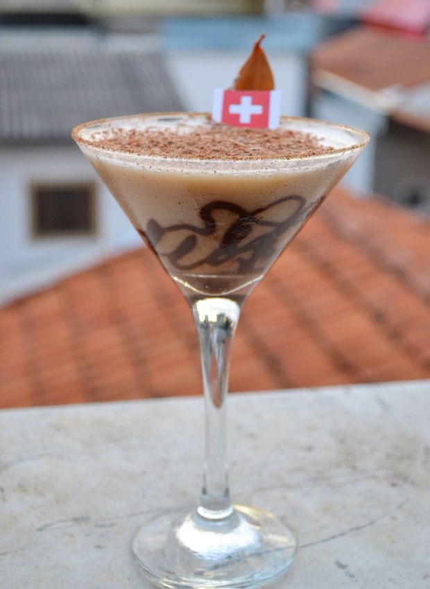 Drinque da Suíça, da Pizzaria Soggiorno (Foto: Guilherme Hungria/Divulgação)