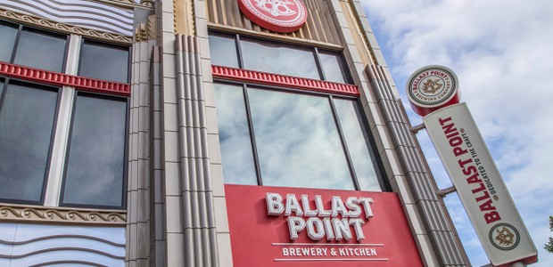 Cervejaria Ballast Point é inaugurada no Downtown Disney District, na Califórnia (Foto: Disney Parks/ Reprodução)