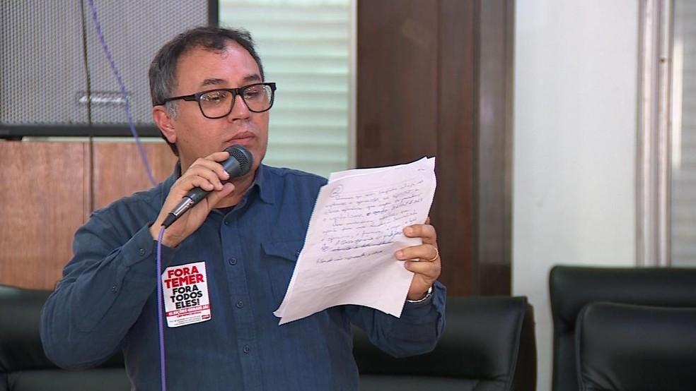 João Augusto Gomes é candidato ao Senado pelo PSTU (Foto: Reprodução/RBS TV)