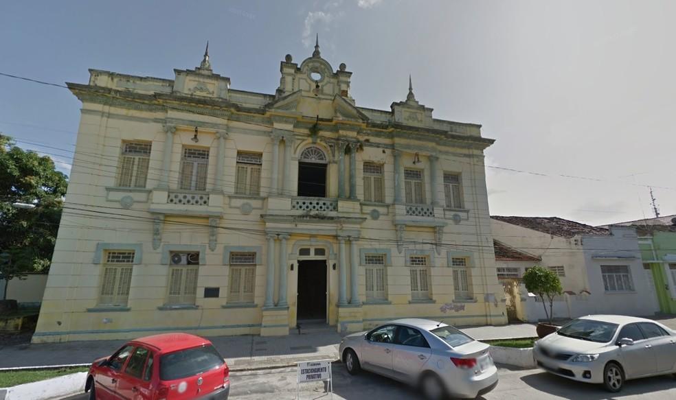 Prefeitura de Goiana, em Pernambuco — Foto: Reprodução/Google Street View