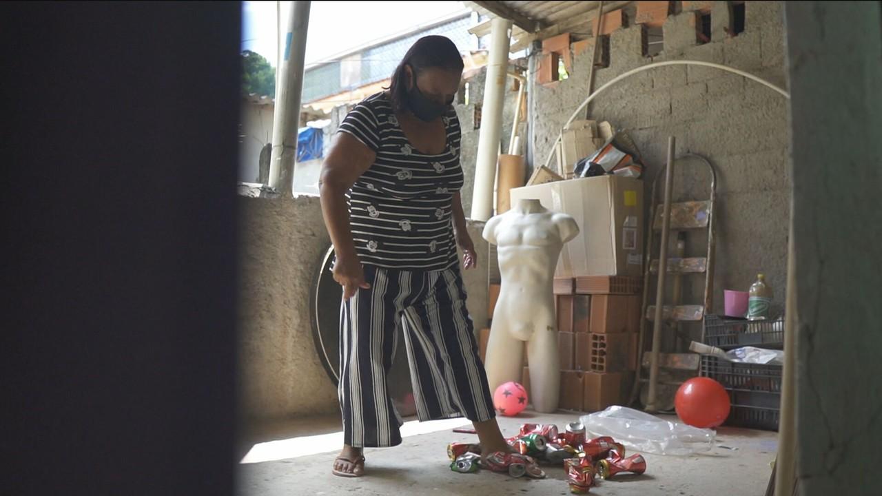 Número de brasileiros pobres quase triplica em seis meses, diz FGV