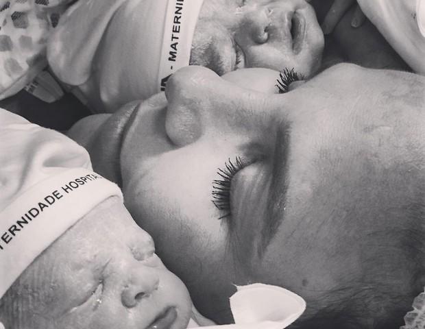 primeira foto das gêmeas de Ivete Sangalo (Foto: Reprodução Instagram)